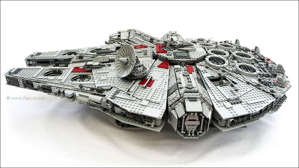 10179 millenium falcon ucs lego star wars ultimate for Interieur faucon millenium
